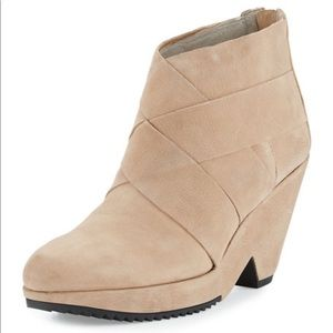 Eileen Fisher Dream Leather Wedge Booties 7M NEW